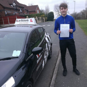 Driving Lessons in Widnes, Runcorn and Liverpool with ex-Police Instructor